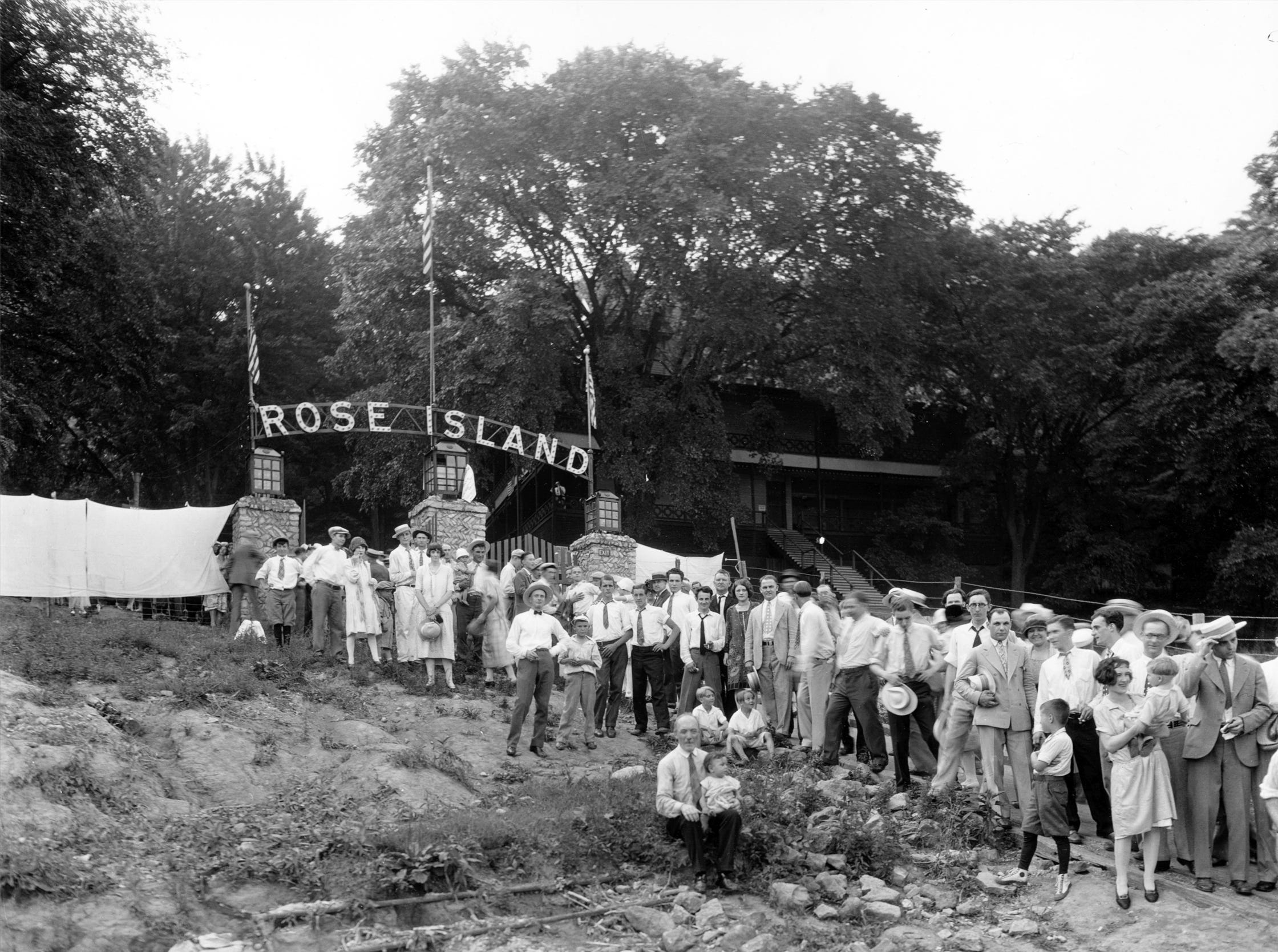 Visitors arrive at Rose Island for a July 4th celebration in 1926.