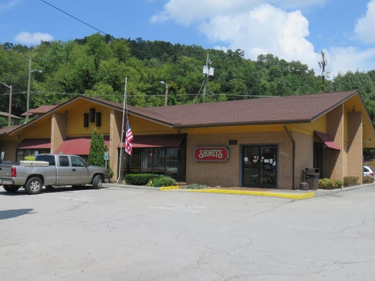 This Shoney's on Chapman Highway was rebuilt by the site of the previous one in 1989.