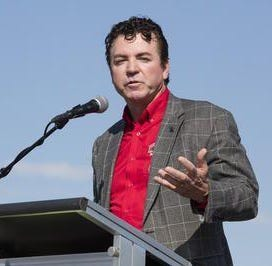 John Schnatter may sell his shares in Papa John's, according to filing