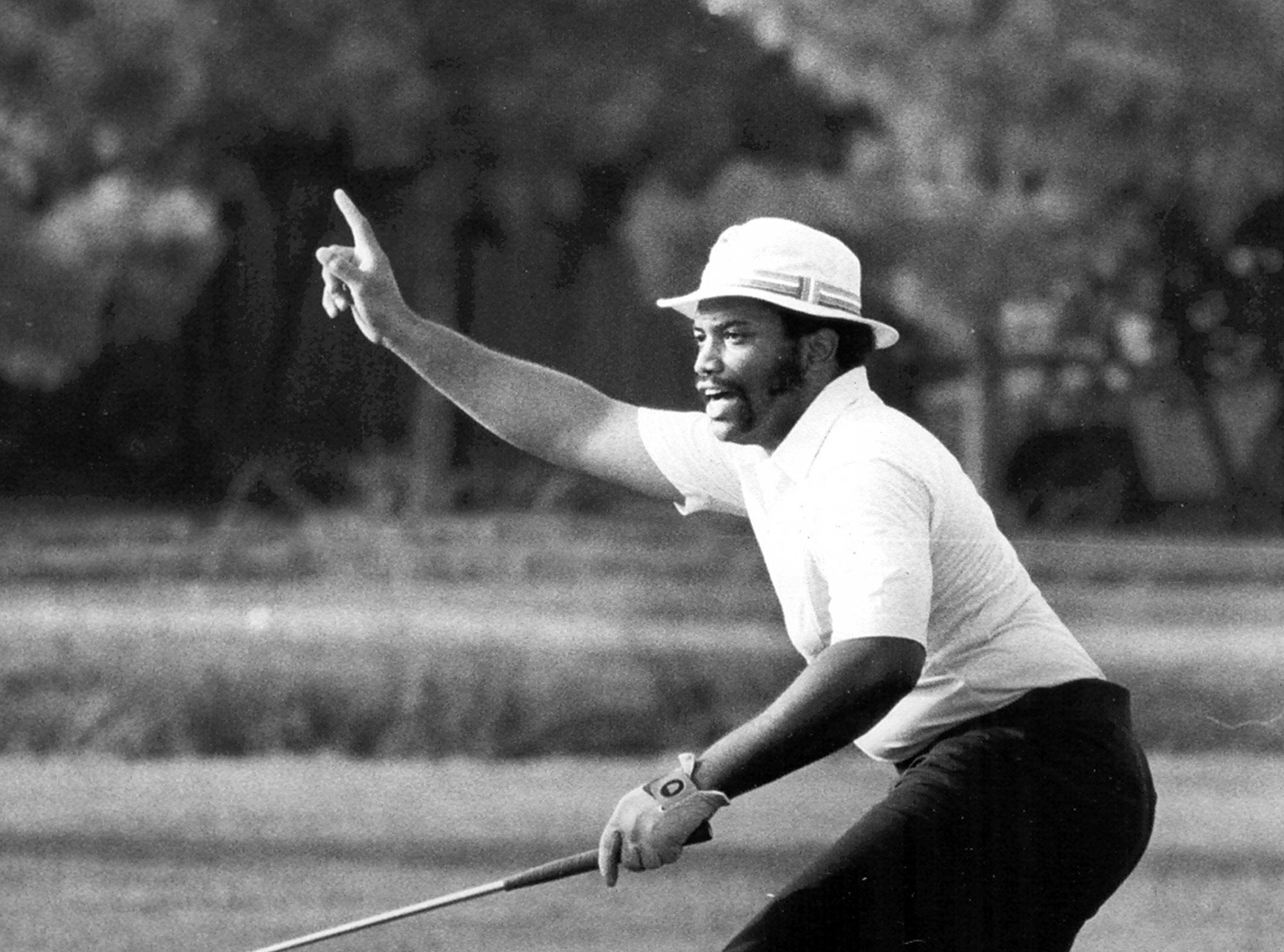 Randy Perry reacts to making a birdie putt at the seventeenth green during the Memphis PubLinx Tournament at Fox Meadows  on 18 Jun 1982.  The 28-year-old teacher at Georgian Hills Junior High School fired a 36-hole total of four under par, 138 and then defeated Keith McKamie and George Johnson on the first hole of a sudden-death playoff.