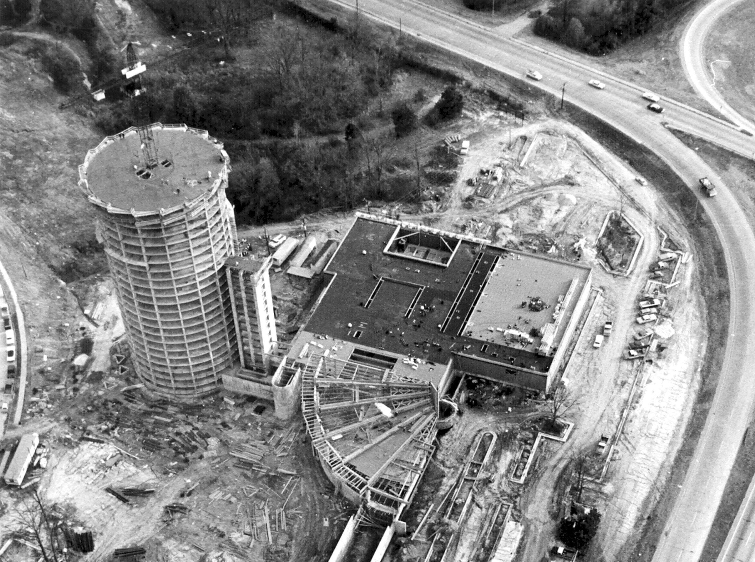 Construction of the Hyatt Regency Hotel at Poplar and I-240 progresses as seen in this 10 Dec 1974 aerial view of the building. The 26-story hotel, owned by Boyle Investment Co., is scheduled to be completed in late 1975. The construction cost is about $15 million and the hotel is expected to provide jobs for 400 persons. It will have four exterior elevators.  Dave Darnell/The Commercial Appeal Construction of the Hyatt Regency Hotel at Poplar and I-240 progresses as seen in this 10 Dec 1974 aerial view of the building. The 26-story hotel, owned by Boyle Investment Co., is scheduled to be completed in late 1975. The construction cost is about $15 million and the hotel is expected to provide jobs for 400 persons. It will have four exterior elevators.
