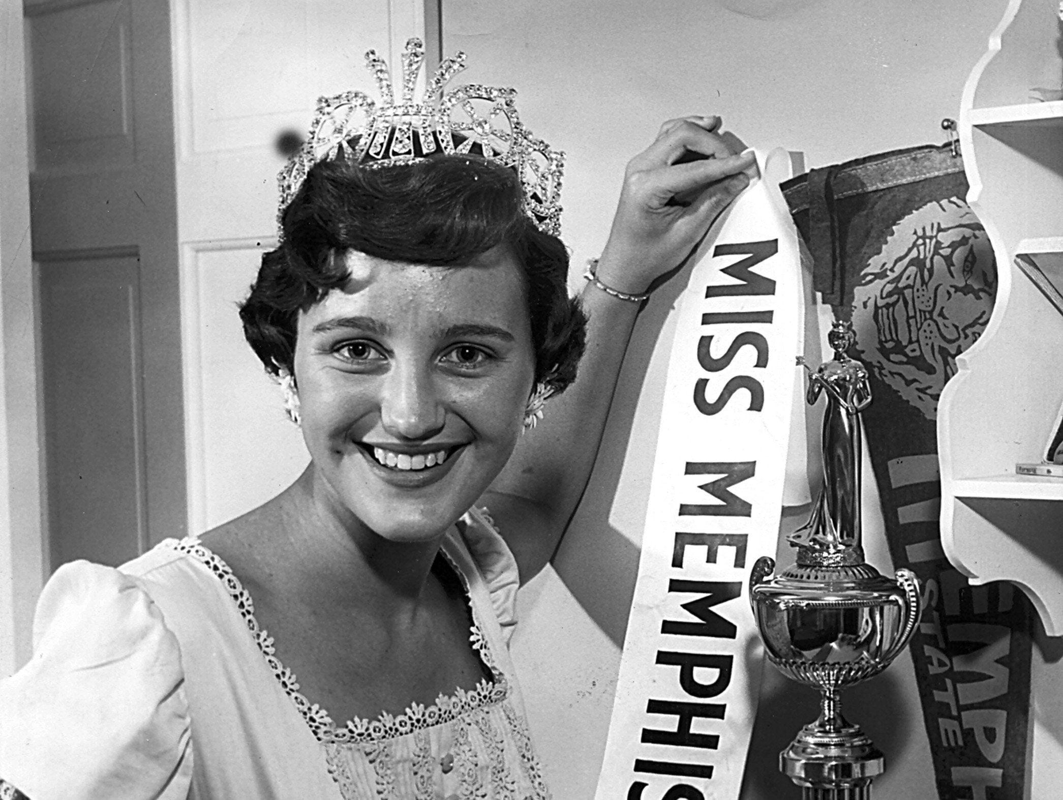 Martha Boales was all smiles after being named Miss Memphis on 27 June 1957.