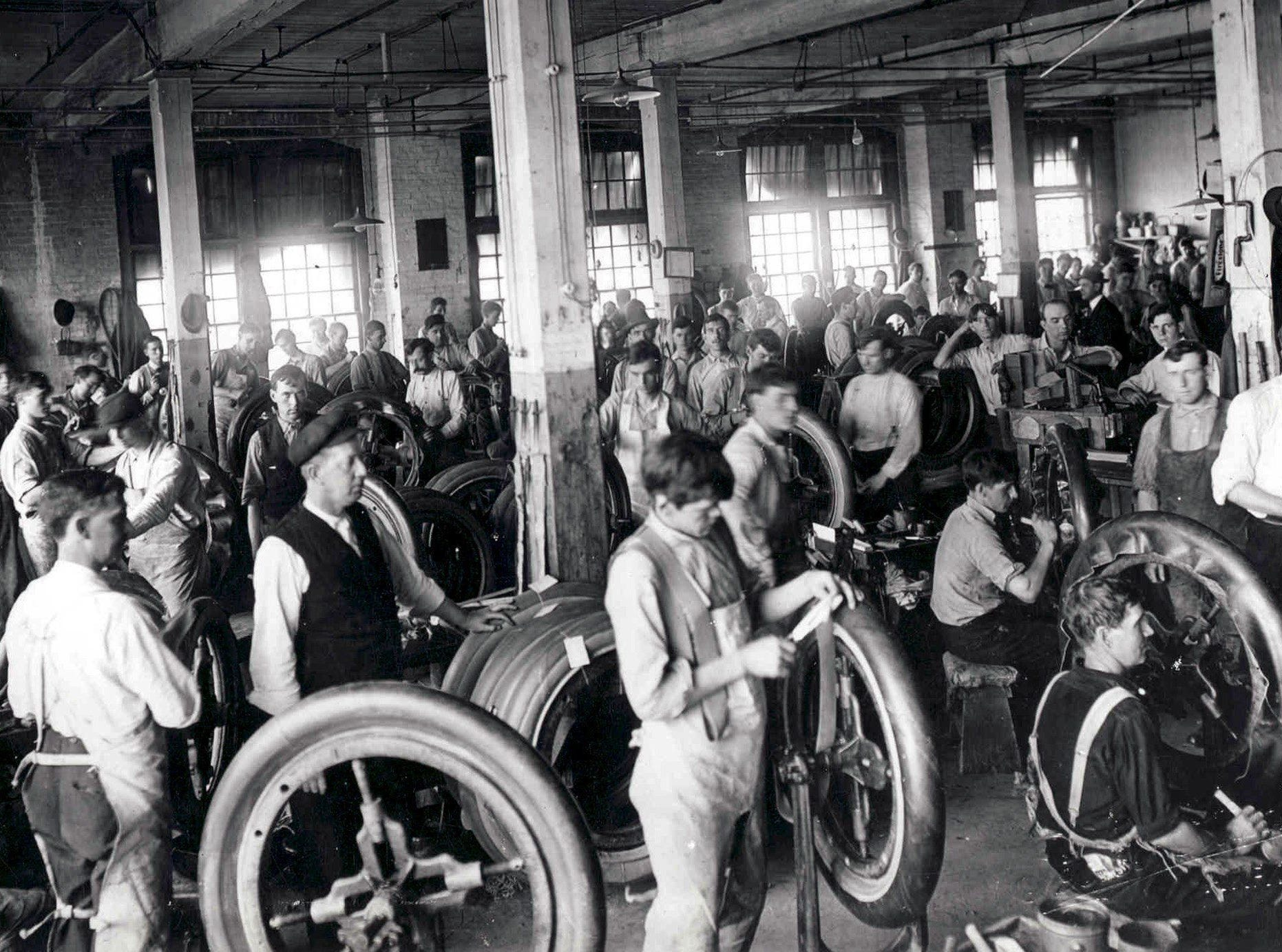 Firestone Tire and Rubber Company  built its first tire in Memphis on 19 Jan 1937 and it is estimated that when the plant closed in March 1983, that 194,849,625 tires had been built by the workers at the plant on Firestone Avenue in North Memphis.  This undated early photo shows workers making tires.  The last tire built at the plant was on 11 March 1983.  The plant's highest peace-time employment reach 3,000 in 1976.  The plant consisted of 1.4 million square feet on 85 acres when it was sold for $1.8 million in August 1983.  Photo Courtesy Memphis & Shelby County Public Library & Information Center.