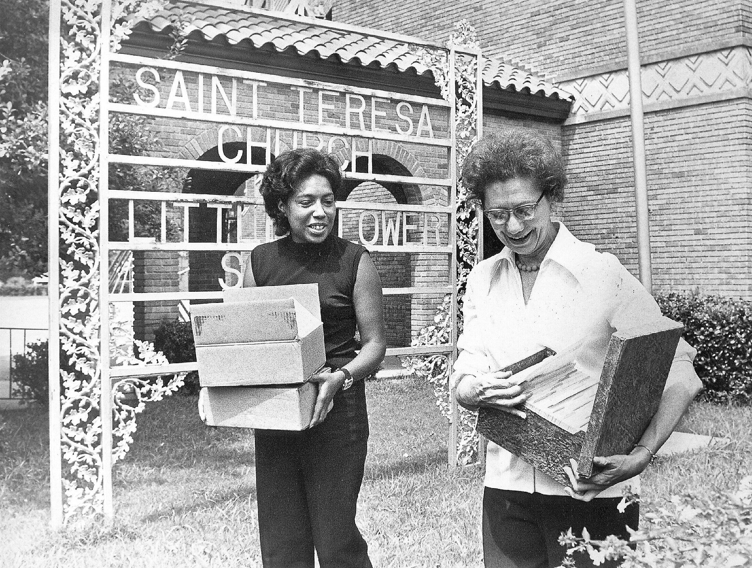 Mrs. Harry Thompson, left, of 1936 Edwards and Miss Margaret Dichtel of 893 Oakmont Place are driving forces in the Vollintine-Evergreen Community Action Association (VECCA) on 17 Aug 1971. Miss Dichtel is chairman of the organization.