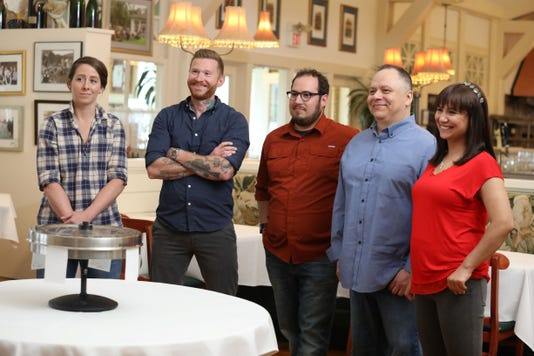 5 Milwaukee Chefs Will Compete On A New Food Network Show Bite Club