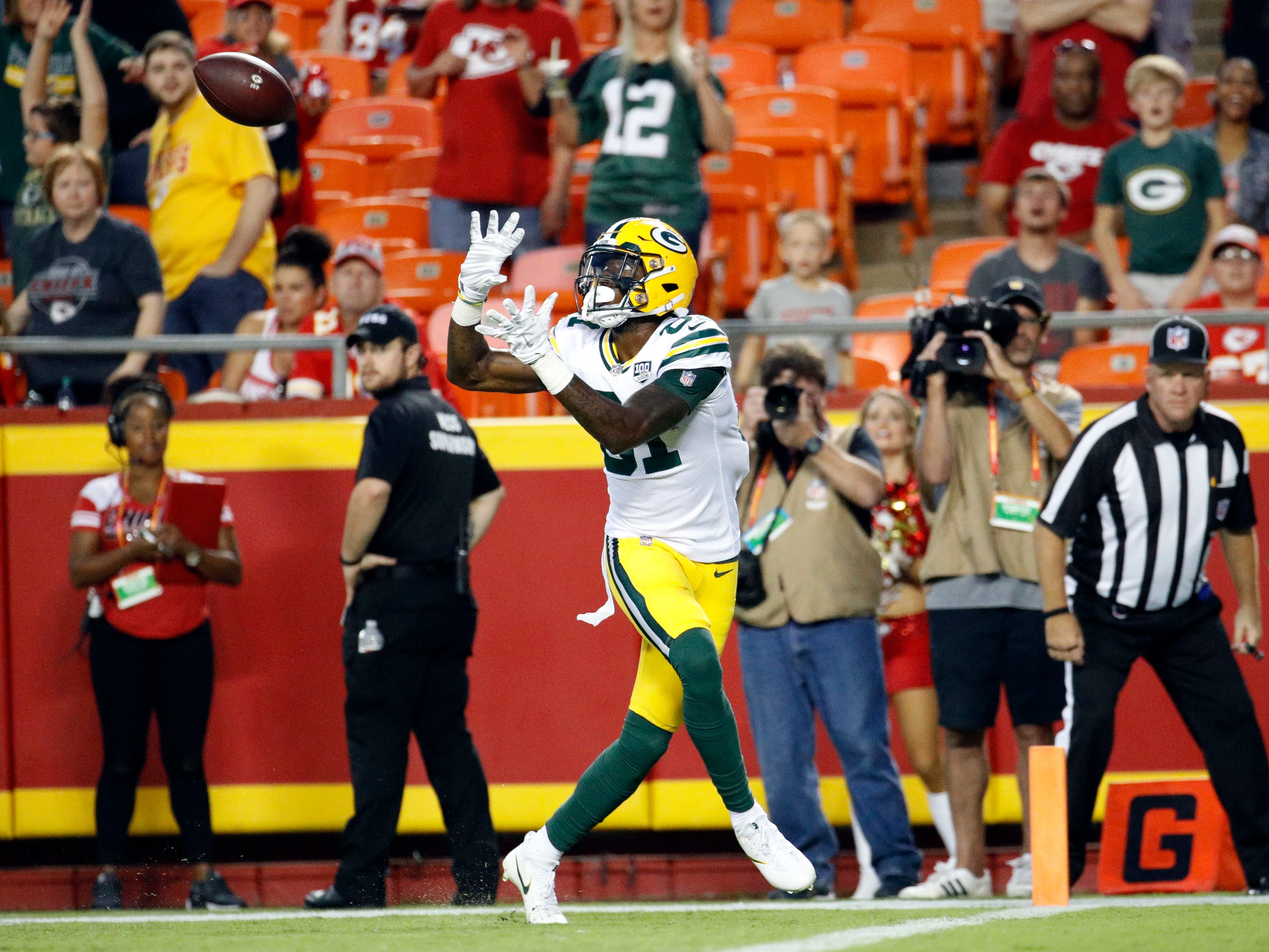 Green Bay Packers wide receiver Geronimo Allison (81) makes a touchdown catch during the first half of an NFL preseason football game against the Kansas City Chiefs in Kansas City, Mo., Thursday, Aug. 30, 2018.