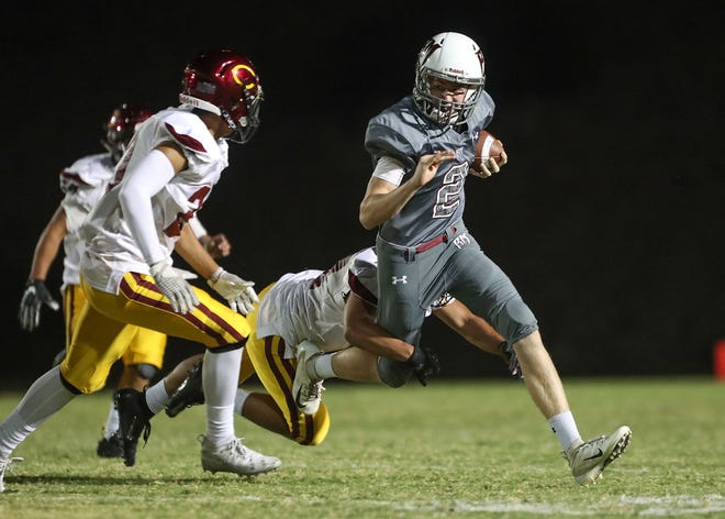 Ty Hershbrger of Rancho Mirage runs against Colton, August 30, 2018.