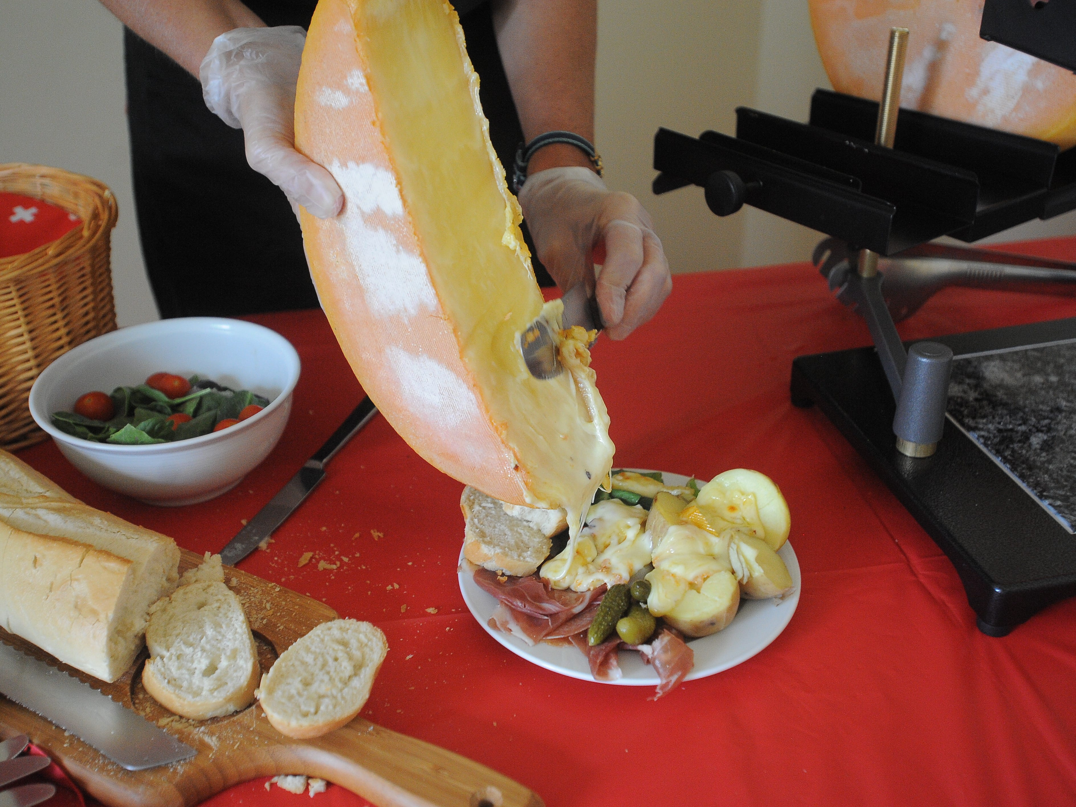 Melted cheese? Yes, please. Sioux Falls business serves up Swiss delicacy