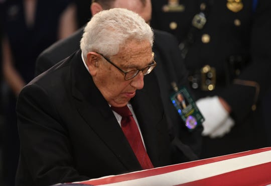 8/31/18 11:28:16 AM -- Washington, DC, U.S.A  -- Henry Kissinger pays his respects as the body of John McCain lies in state at the U.S. Capitol in Washington on Aug. 31, 2018 in Washington. Sen. McCain died on Aug. 25. --    Photo by Jasper Colt, USA TODAY Staff ORG XMIT:  JC 137436 McCain U.S. Capi 8/31/2018 (Via OlyDrop)