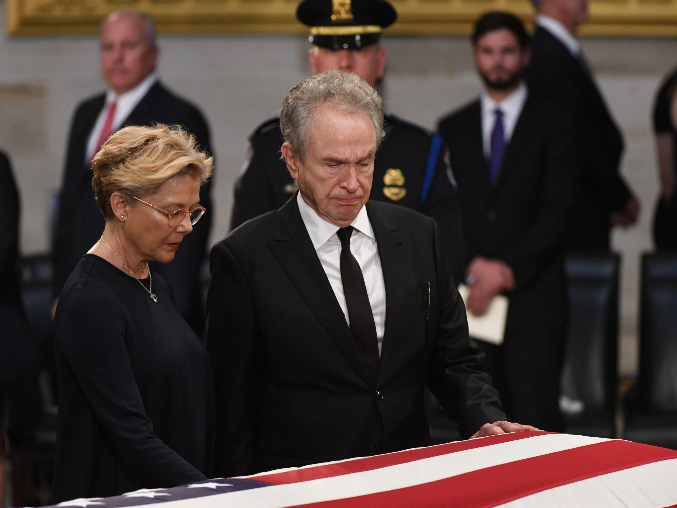 8/31/18 11:33:19 AM -- Washington, DC, U.S.A  -- Warren Beatty and Annette Bening  pays their respects as the body of John McCain lies in state at the U.S. Capitol in Washington on Aug. 31, 2018 in Washington. Sen. McCain died on Aug. 25. --    Photo by Jasper Colt, USA TODAY Staff ORG XMIT:  JC 137436 McCain U.S. Capi 8/31/2018 (Via OlyDrop)
