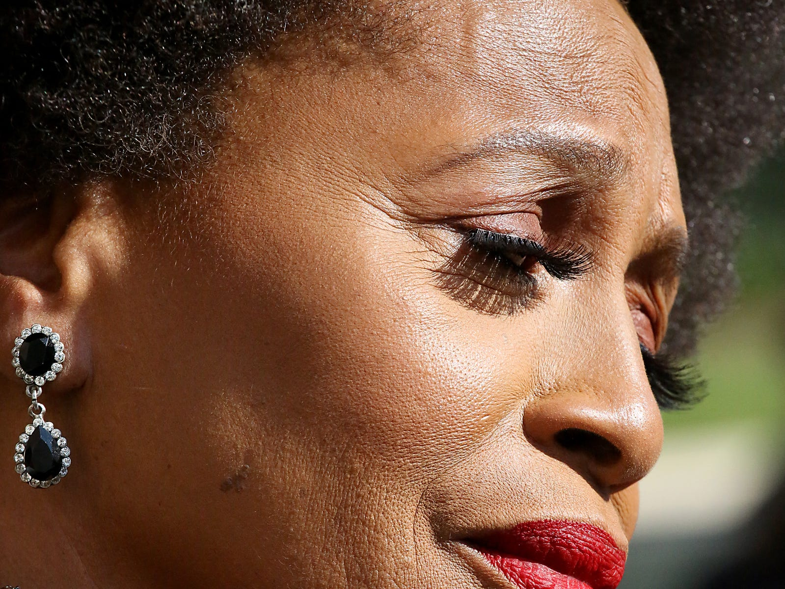 Actress Jenifer Lewis arrives at Greater Grace Temple to pay her final respects to Aretha Franklin in Detroit, on Friday, Aug. 31, 2018.  (Via OlyDrop)