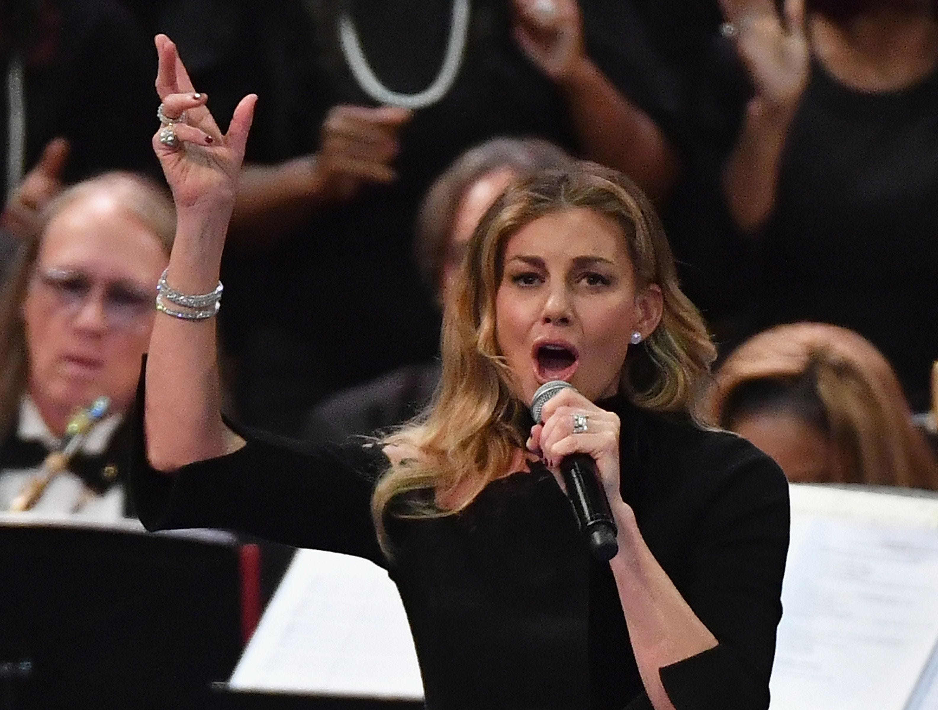 Faith Hill performs during Aretha Franklin's funeral at Greater Grace Temple on August 31, 2018 in Detroit, Michigan. (Photo by Angela Weiss / AFP)ANGELA WEISS/AFP/Getty Images ORG XMIT: Funeral f ORIG FILE ID: AFP_18R1Y0