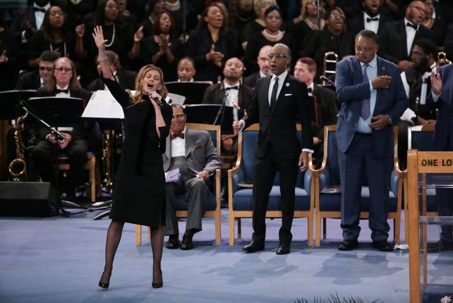 "Faith Hill performs ""What a Friend We Have in Jesus"" during Aretha Franklin's funeral."