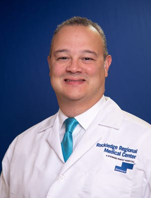 Dr. José A. Montalvo specializes in adult cardiac and thoracic surgical care, which includes the heart, its valves, the lungs and other organs of the chest.