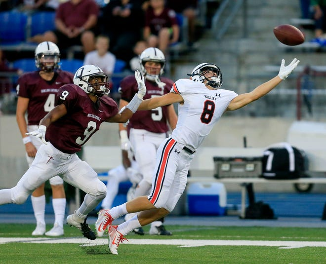 Valley defeated Dowling Catholic, 20-6, last week at Drake Stadium. Both schools are among the picks in this week's predictions by Des Moines Register sports writer Cody Goodwin.