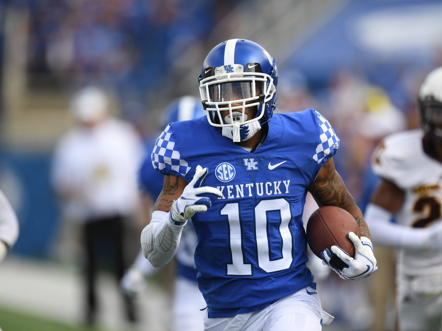 UK RB A.J. Rose runs for a touchdown during the University of Kentucky football game against Central Michigan at Kroger Field in Lexington, Kentucky on Saturday, September 1, 2018.
