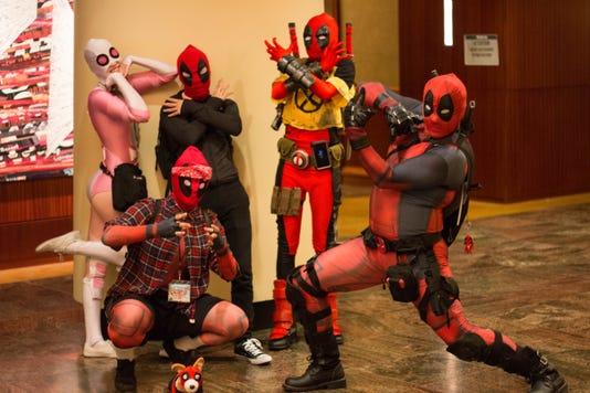 Deadpool cosplayers, Saboten Con 2018, Phoenix