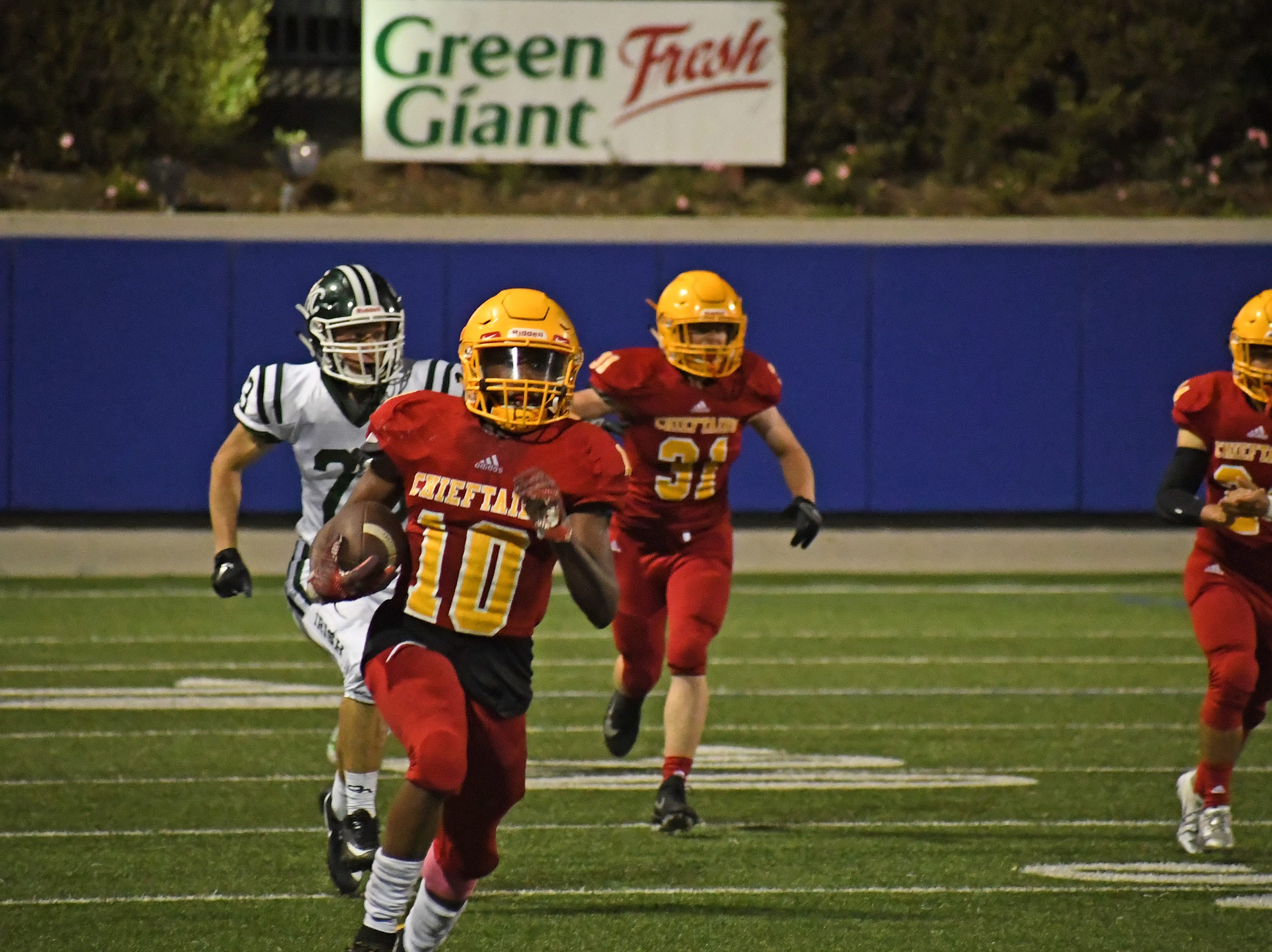 Palma junior Jon Jon Berring (10) takes a kickoff 63 yards to give the Chieftains great field position in the third quarter.