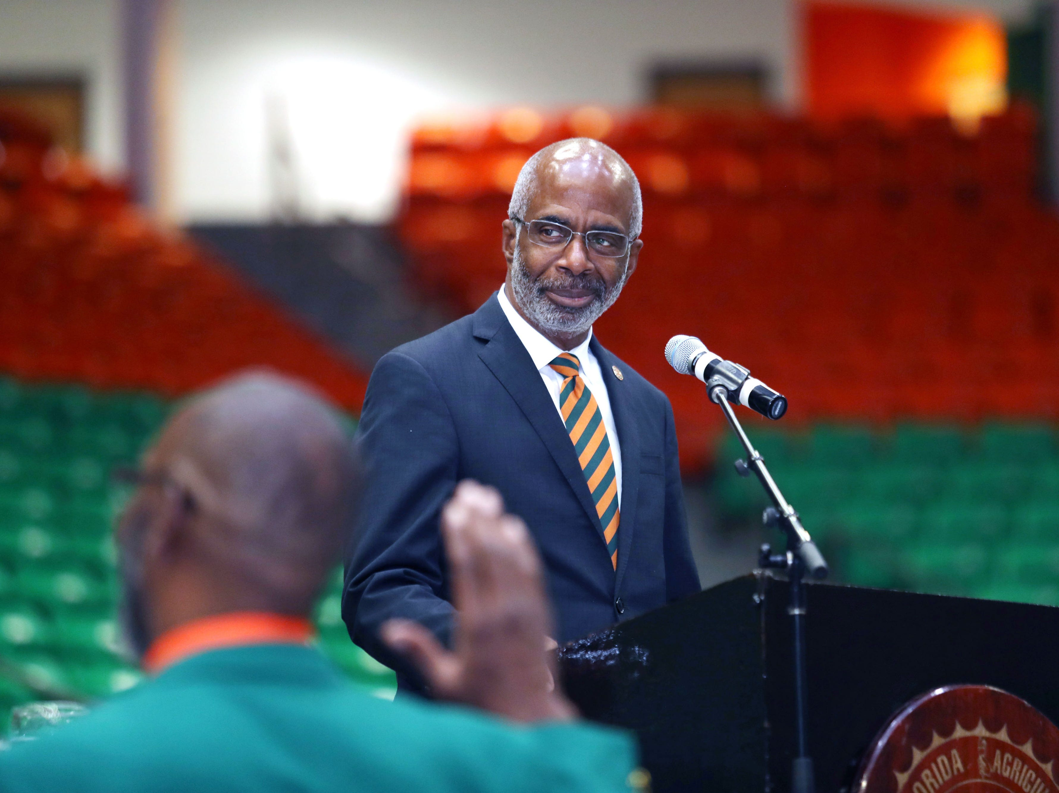 FAMU president Dr. Larry Robinson gives the oath of enshrinement to the Class of 2018.