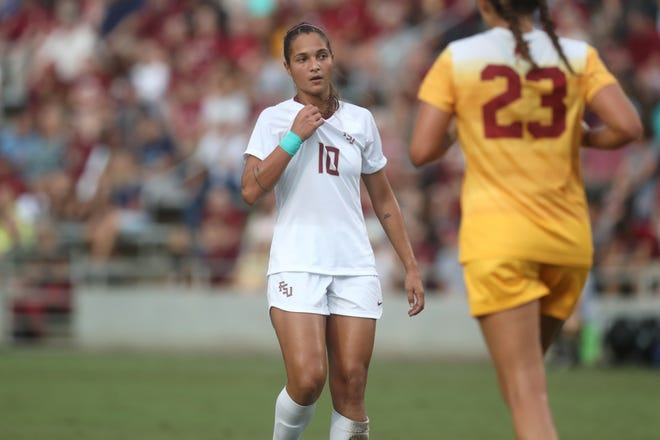 FSU's Deyna Castellanos eyes the goal against the University of Southern California during their match at the Seminole Soccer Complex on Friday, Aug. 31, 2018.