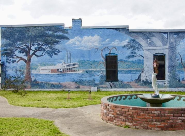 Mural downtown Chattahoochee: Depiction of Victory Bridge and life on the river
