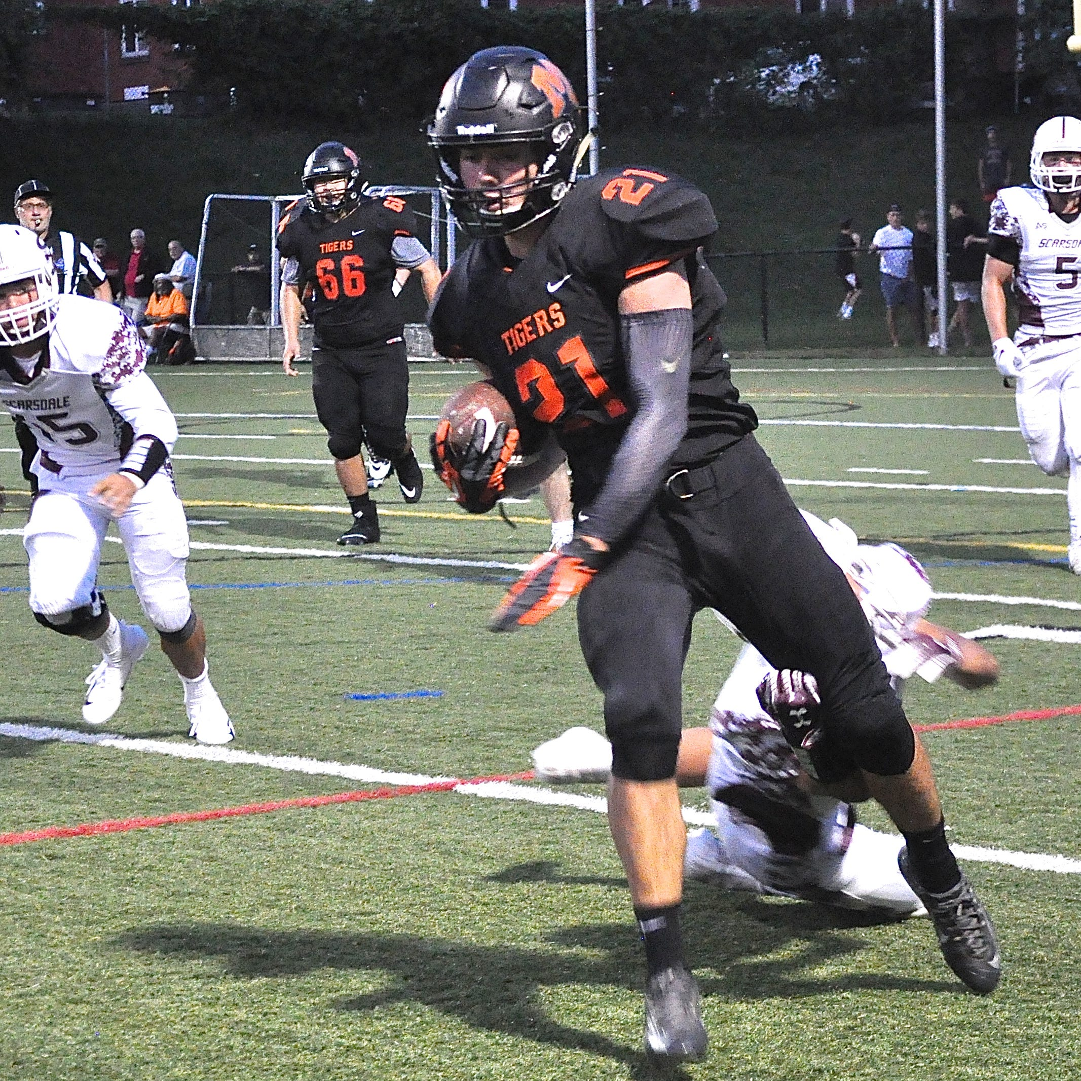 Football: Big day against rival gets Mamaroneck's Shane Smith Player of the Week honors