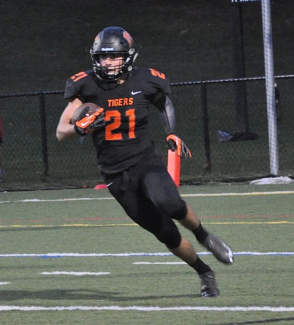Mamaroneck running back Shane Smith in action during a football game against Scarsdale at Mamaroneck High School on Friday, August 31st, 2018. Mamaroneck won 21-7.