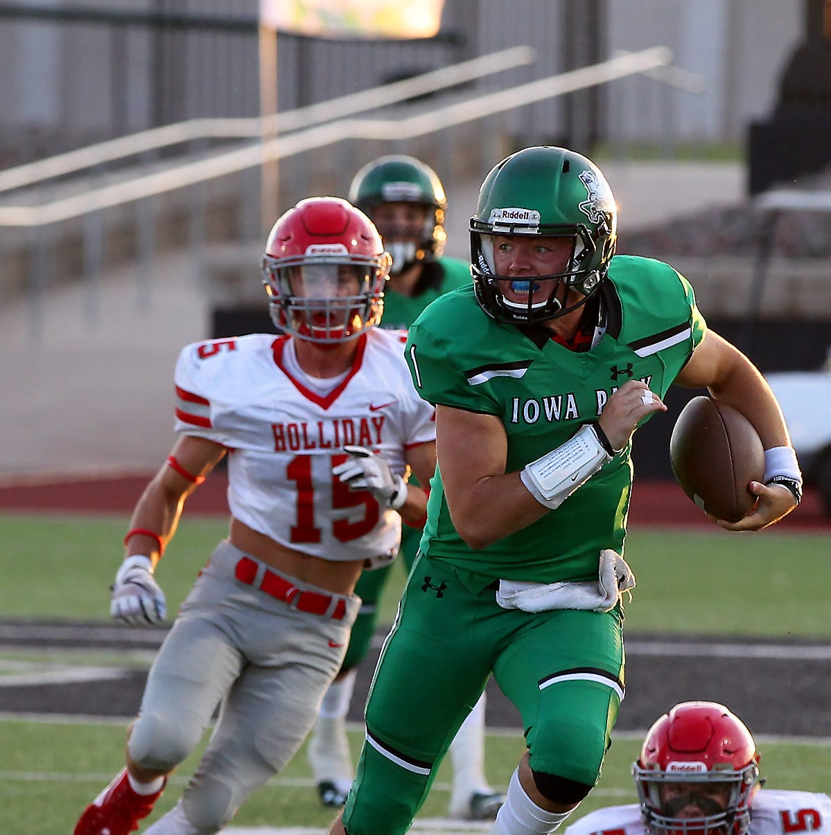 4A roundup: Cousins to battle at QB in Iowa Park-Mineral Wells matchup