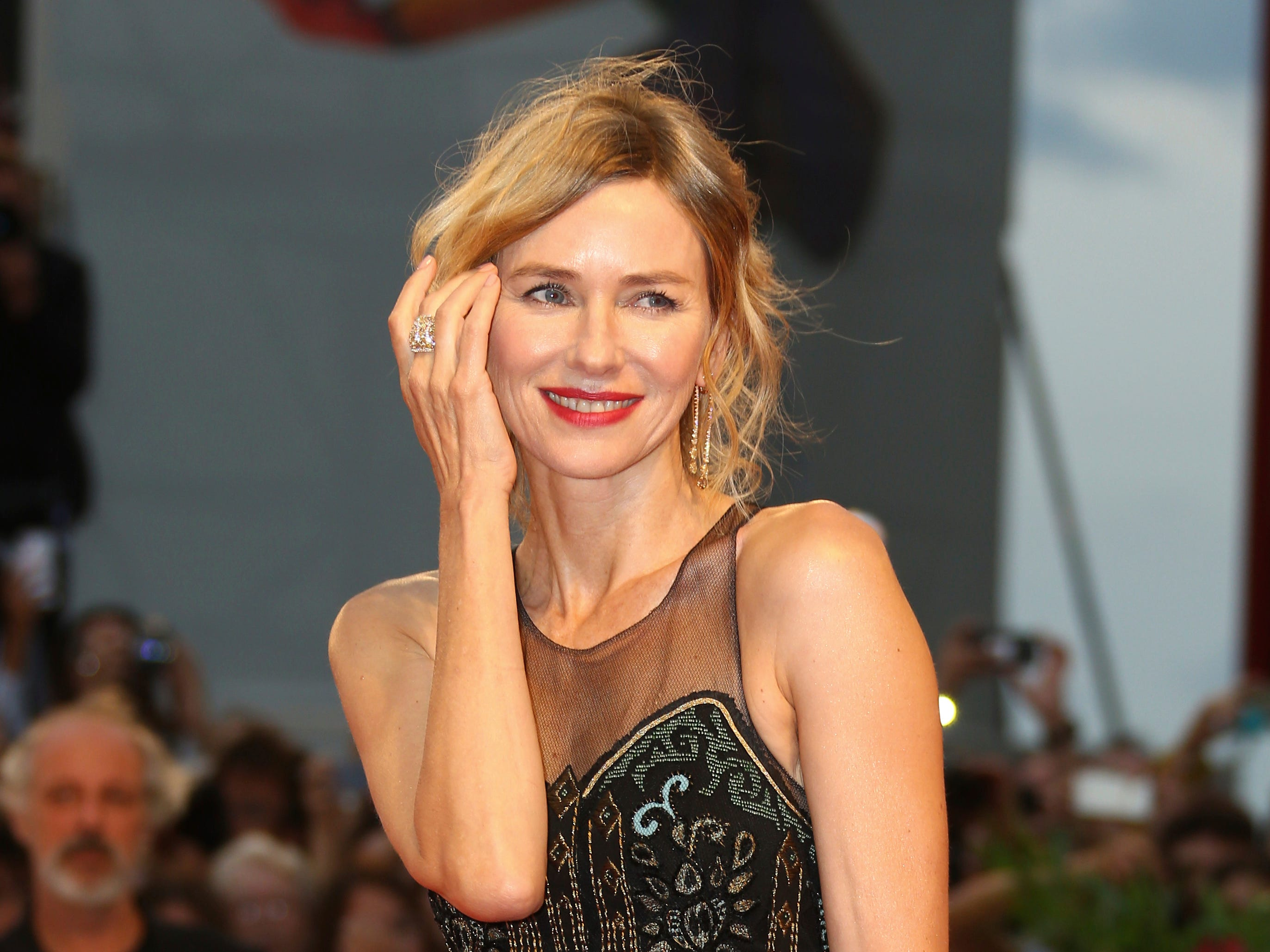 """Jury member Naomi Watts posed for photographers upon her arrival at the premiere of """"Suspiria."""""""