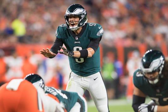 Eagles Carson Wentz Or Nick Foles This Hall Of Fame Quarterback Has An Deserves To Start In Philadelphia