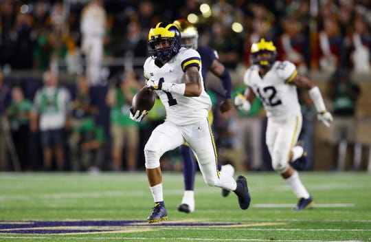 Michigan's Ambry Thomas returns a kickoff 99 yards for a touchdown in the second quarter vs. Notre Dame on Sept. 1, 2018 in South Bend, Ind.