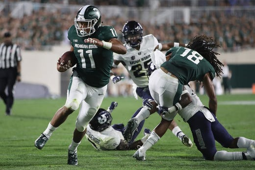 Michigan Michigan State Fall In Ap Top 25 College Football Poll