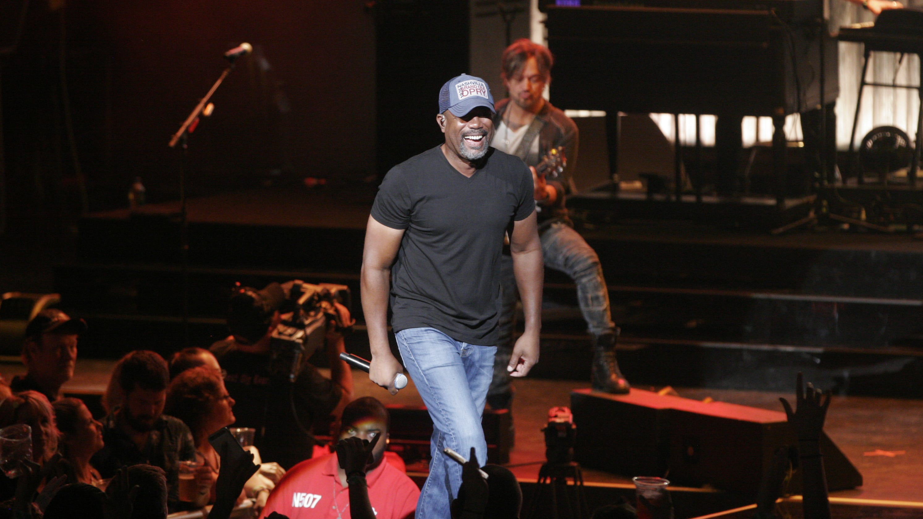 Lady Antebellum Darius Rucker A Breezy Ride At Milwaukee Harley Bash