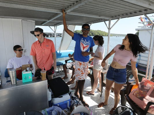 Nas Boating 01