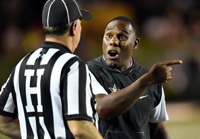 Vanderbilt head coach Derek Mason argues with a referee during the first half of a game against MTSU at Vanderbilt Stadium Saturday, Sept. 1, 2018, in Nashville, Tenn.