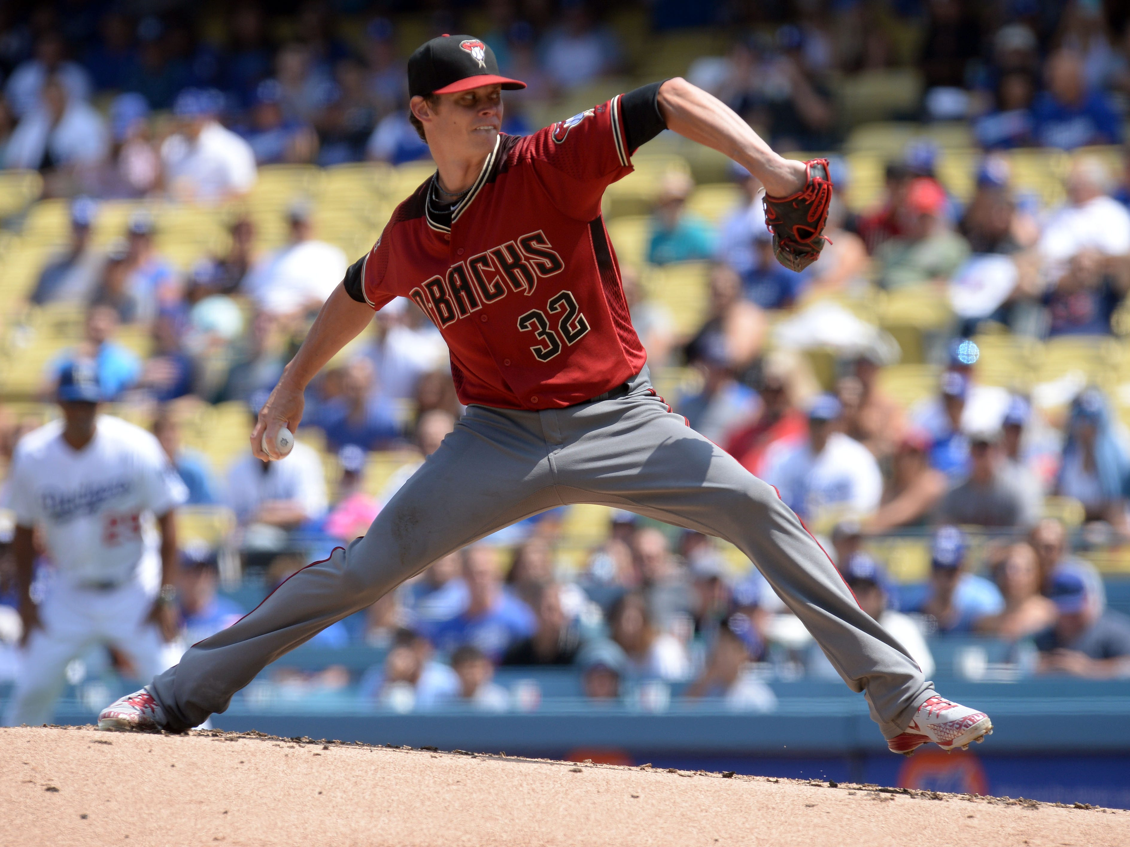 September 2, 2018; Los Angeles, CA, USA; Arizona Diamondbacks starting pitcher Clay Buchholz (32) throws against the Los Angeles Dodgers in the first inning at Dodger Stadium. Mandatory Credit: Gary A. Vasquez-USA TODAY Sports