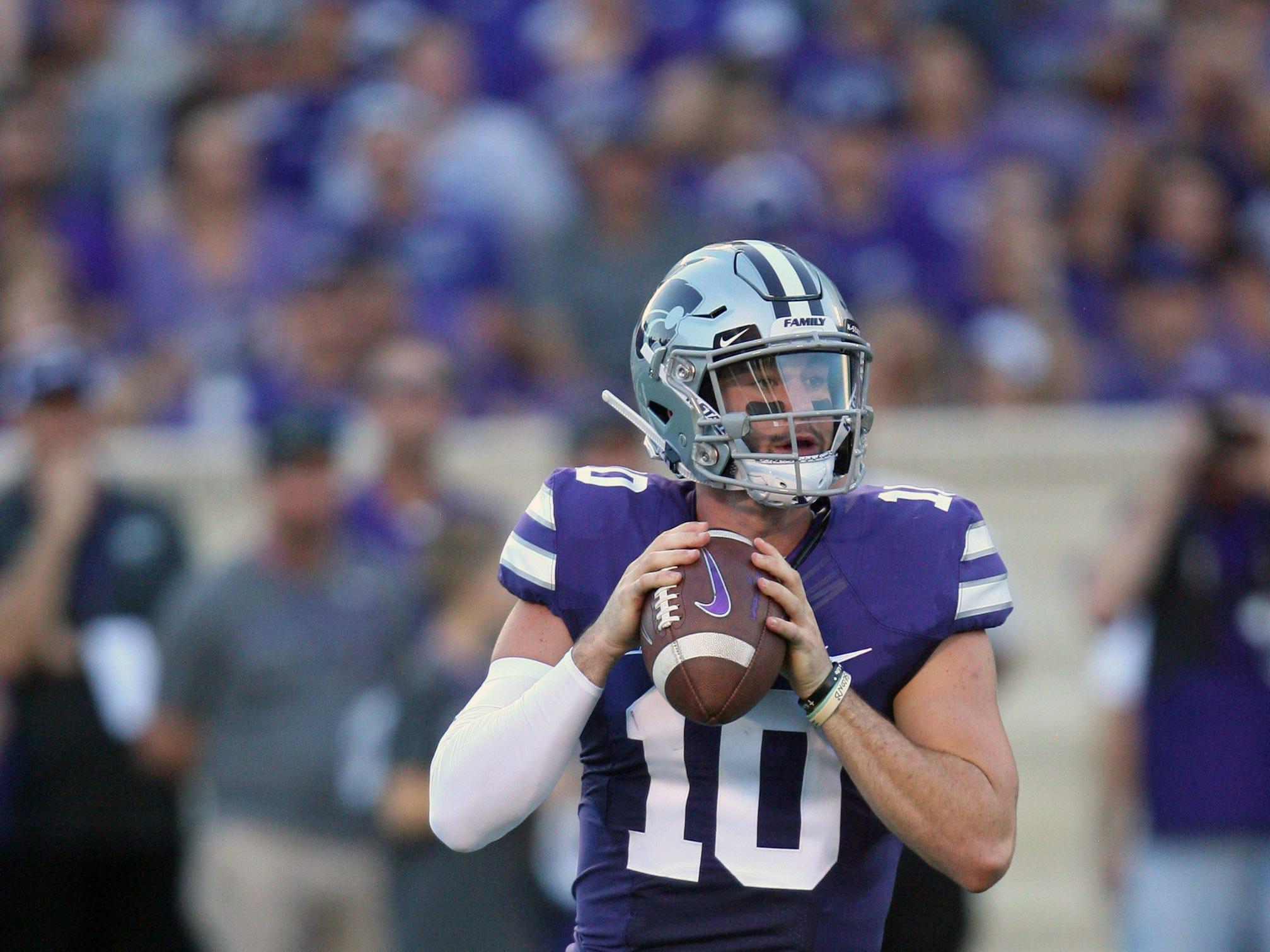 Sep 1, 2018; Manhattan, KS, USA; Kansas State Wildcats quarterback Skylar Thompson (10) drops back to pass against the South Dakota Coyotes at Bill Snyder Family Stadium. Mandatory Credit: Scott Sewell-USA TODAY Sports