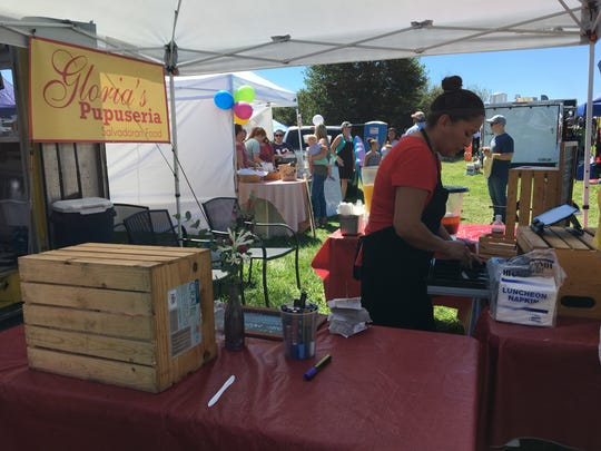 Gloria's Pupuseria gave the food truck savvy customers a taste of Salvadorian food at the battle Sunday.