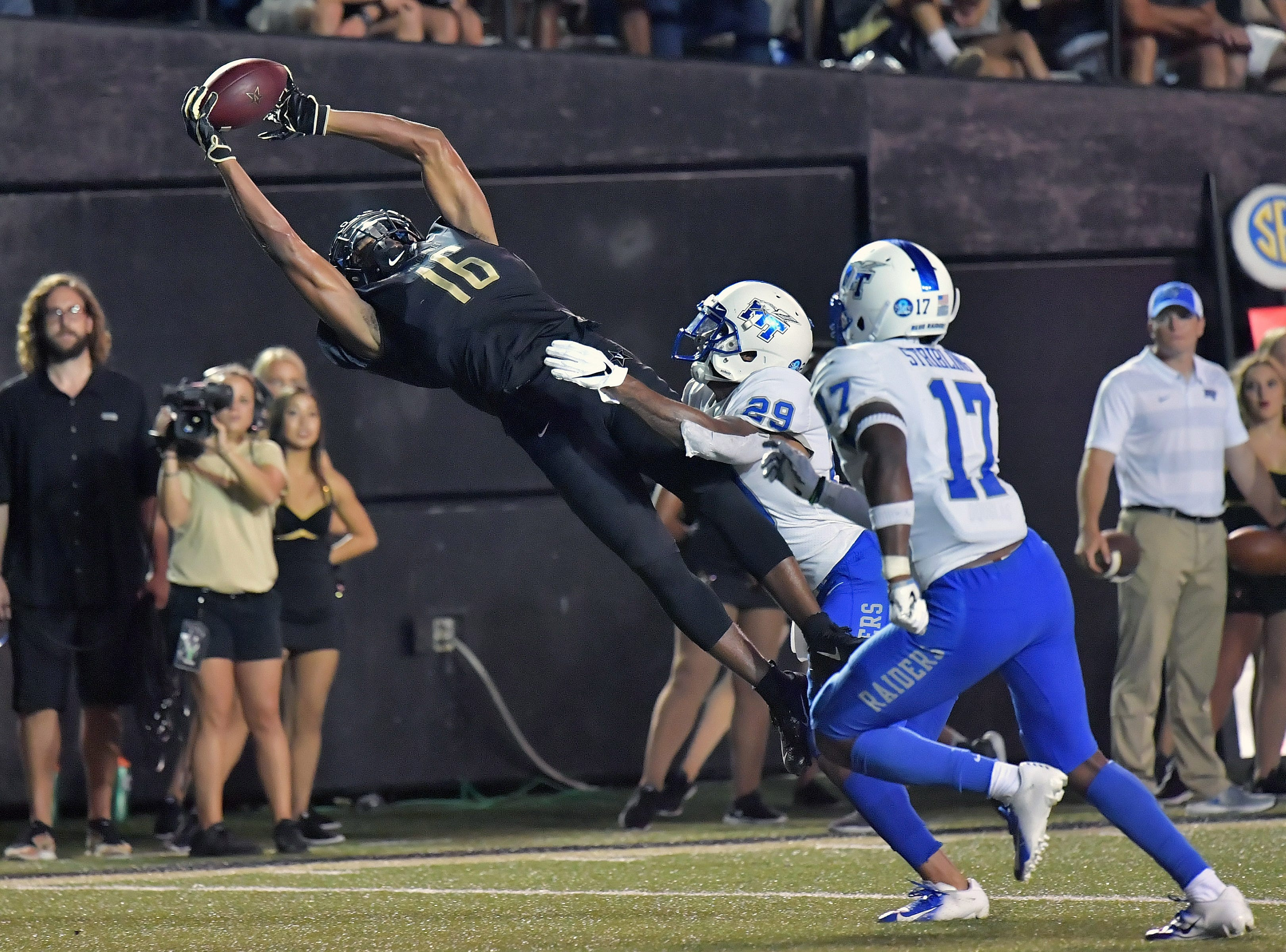 Vanderbilt Commodores wide receiver Kalija Lipscomb (16) catches a pass for a touchdown against the Middle Tennessee Blue Raiders.