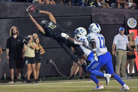 Ncaa Football Middle Tennessee At Vanderbilt