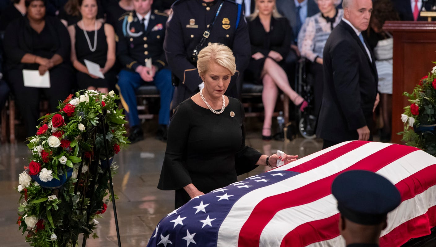 John Mccain Buried At Naval Academy After Weekend Of Tributes