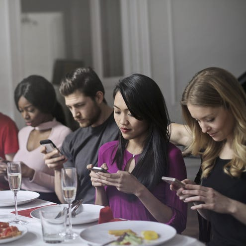 Social media makes family members less social
