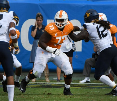 Doctors 'figuring out a plan' for Trey Smith to play for Tennessee this season