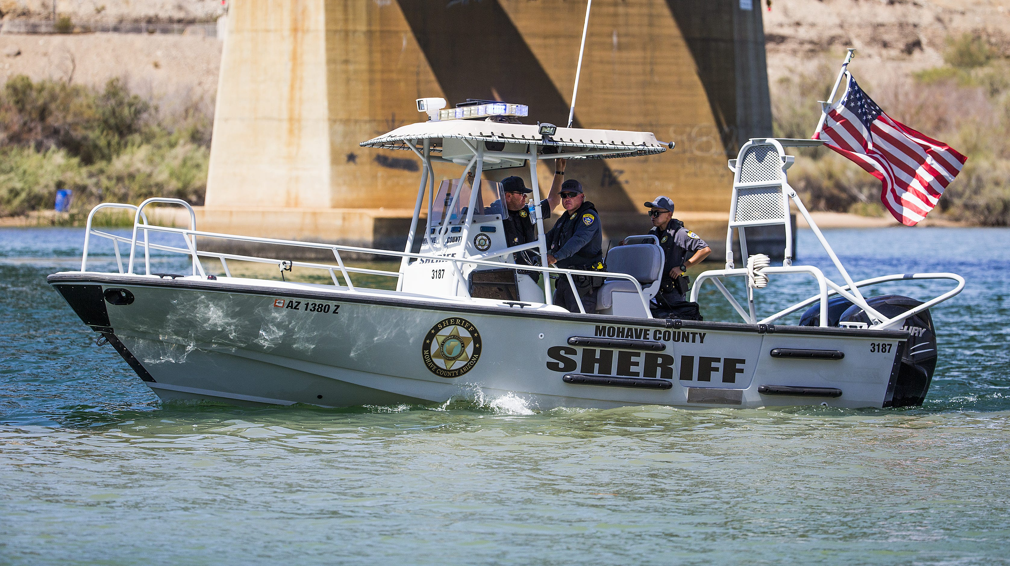 Sheriff's Office: Missing boater from Colorado River crash 'could literally be anywhere'