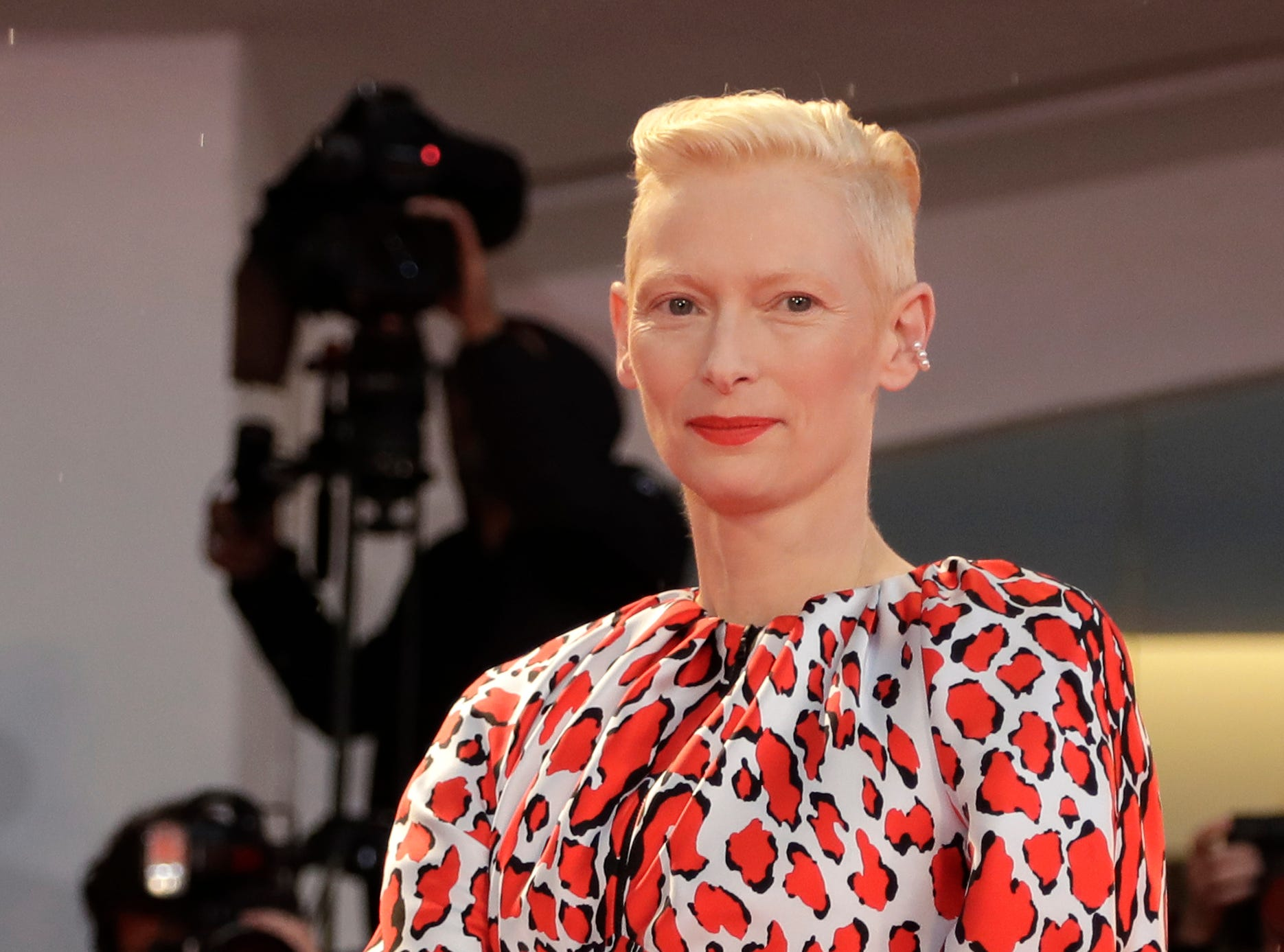 Actress Tilda Swinton poses for photographers upon arrival at the premiere of the film 'At Eternity's Gate' at the 75th edition of the Venice Film Festival in Venice, Italy, Monday, Sept. 3, 2018. (AP Photo/Kirsty Wigglesworth) ORG XMIT: LKW135