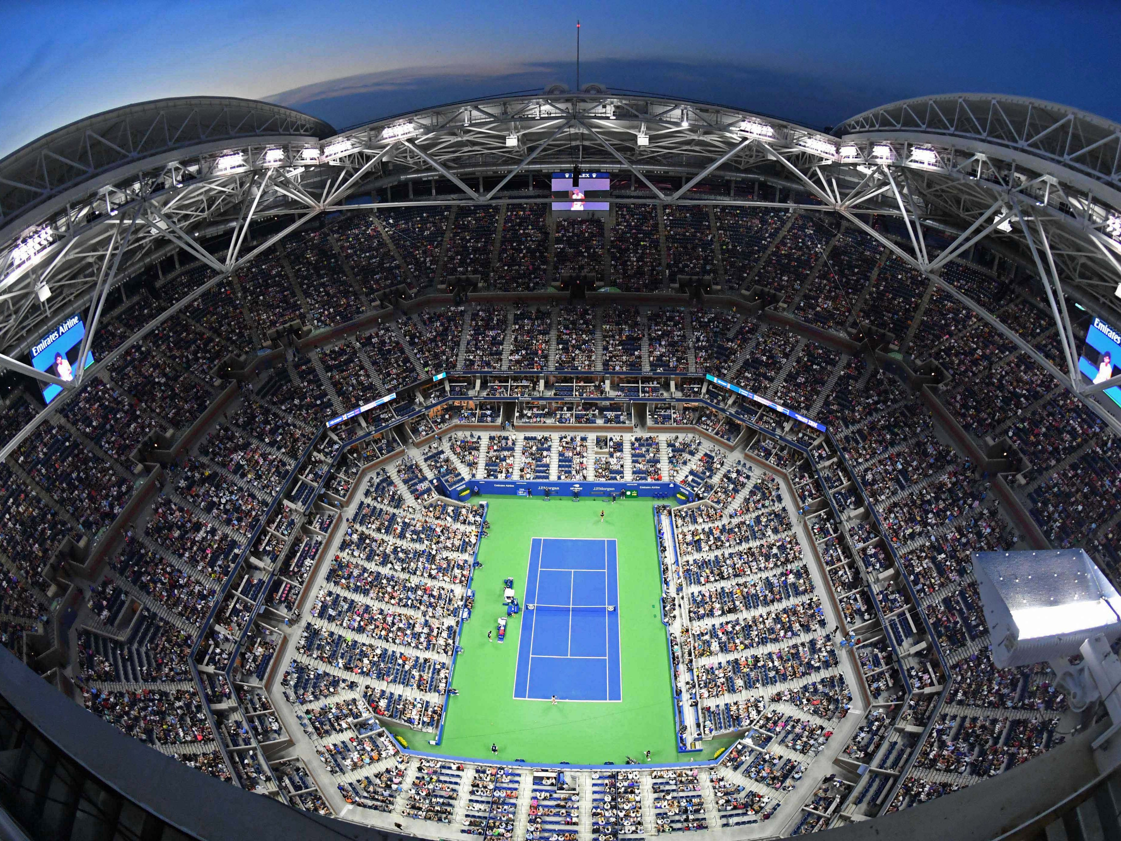 A full house at Arthur Ashe stadium awaits a fourth-round night match between Maria Sharapova and Carla Suarez Navarro.