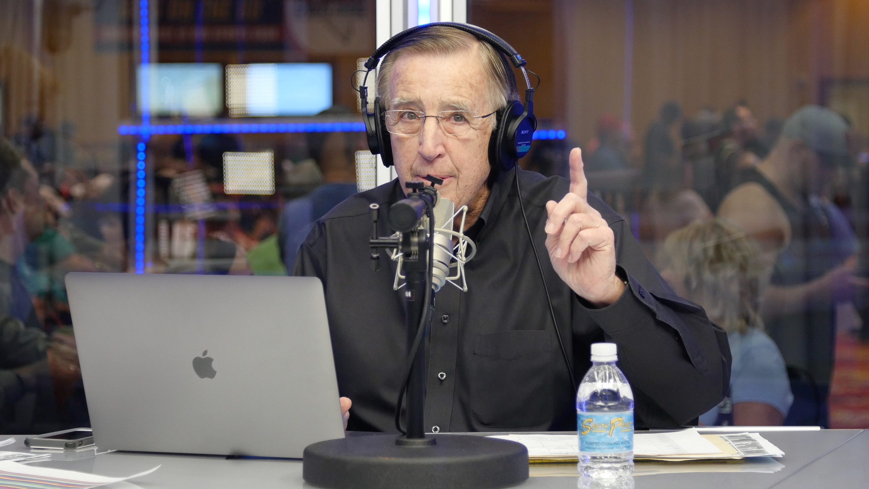 Brent Musburger, now Raiders play-by-play voice, welcomes AJ McCarron's 'beautiful' wife