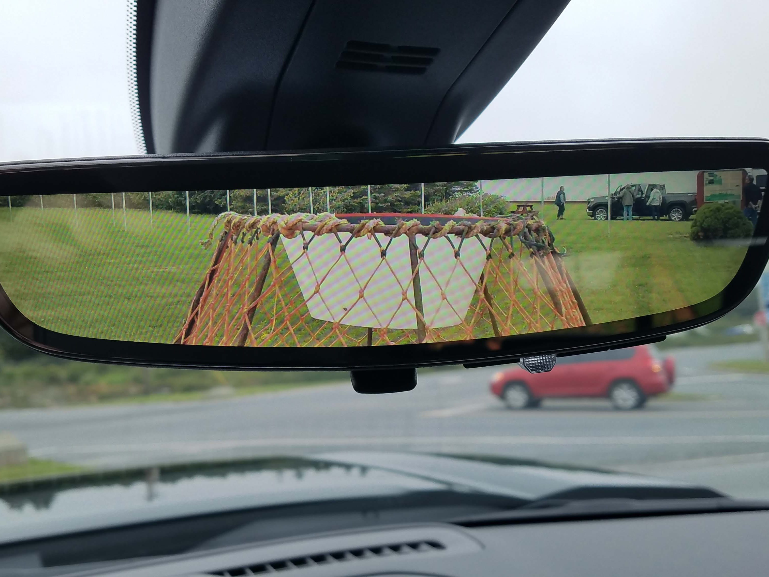 Optional on the 2019 GMC Sierra is a camera mirror that makes monitoring the rear bed and trailer easier.