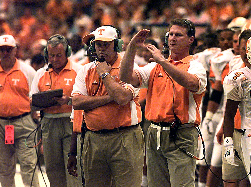 Randy Sanders and Phillip Fulmer on the sidelines during action against Syracuse on Sept. 5, 1998.