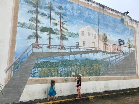 Lake Arthur Mural Girls 2